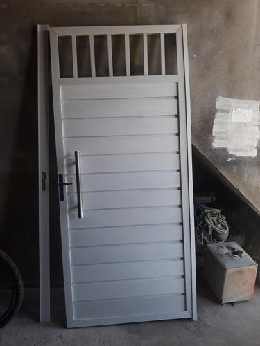 portão de alumínio 90 / 210