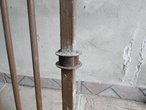 portão de garagem ferro, tamanho a-1,75 larg. 240