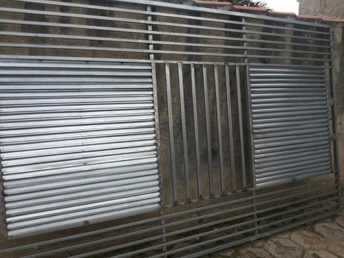 portão novo,galvanizado,tubo metalon e chapas de venezianas