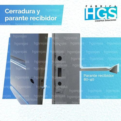 portón corredizo manual. con postigos y metal desplegable