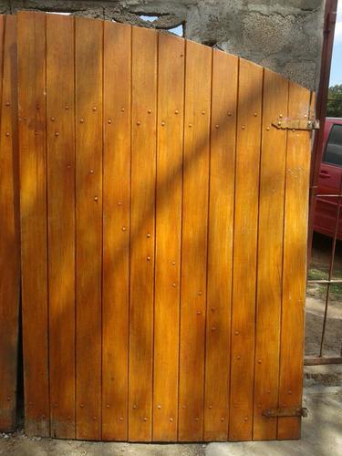 porton de madera