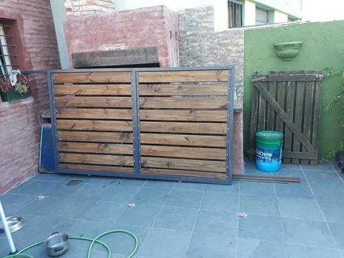 porton hierro y madera