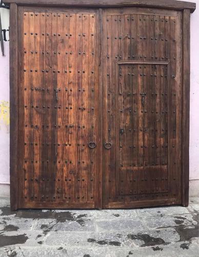 portón madera antigua