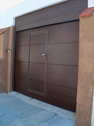 porton seccional para garage con puerta peatonal 099374847