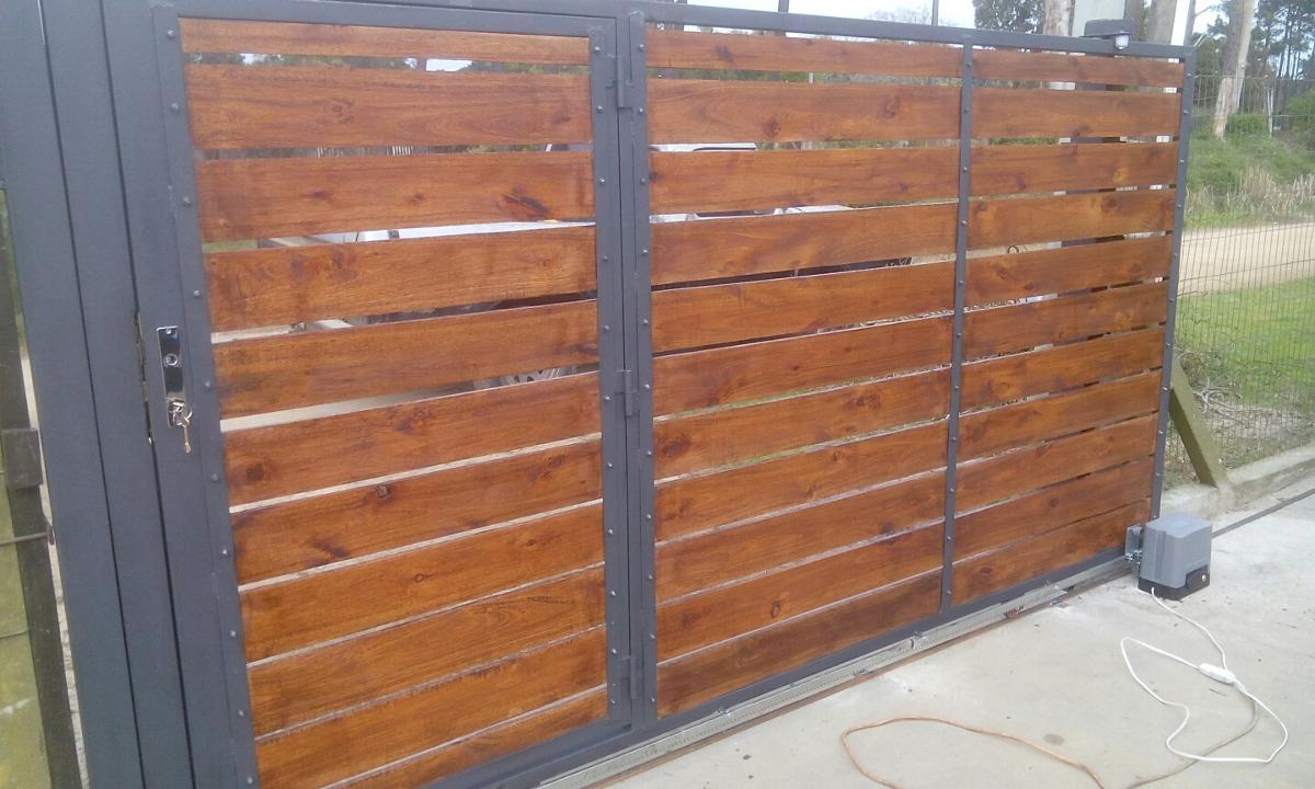 Portones corredizos y batientes en hierro y madera 1 for Portones de madera modernos