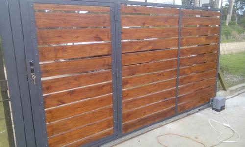 Portones corredizos y batientes en hierro y madera 1 for Como hacer un porton de madera economico