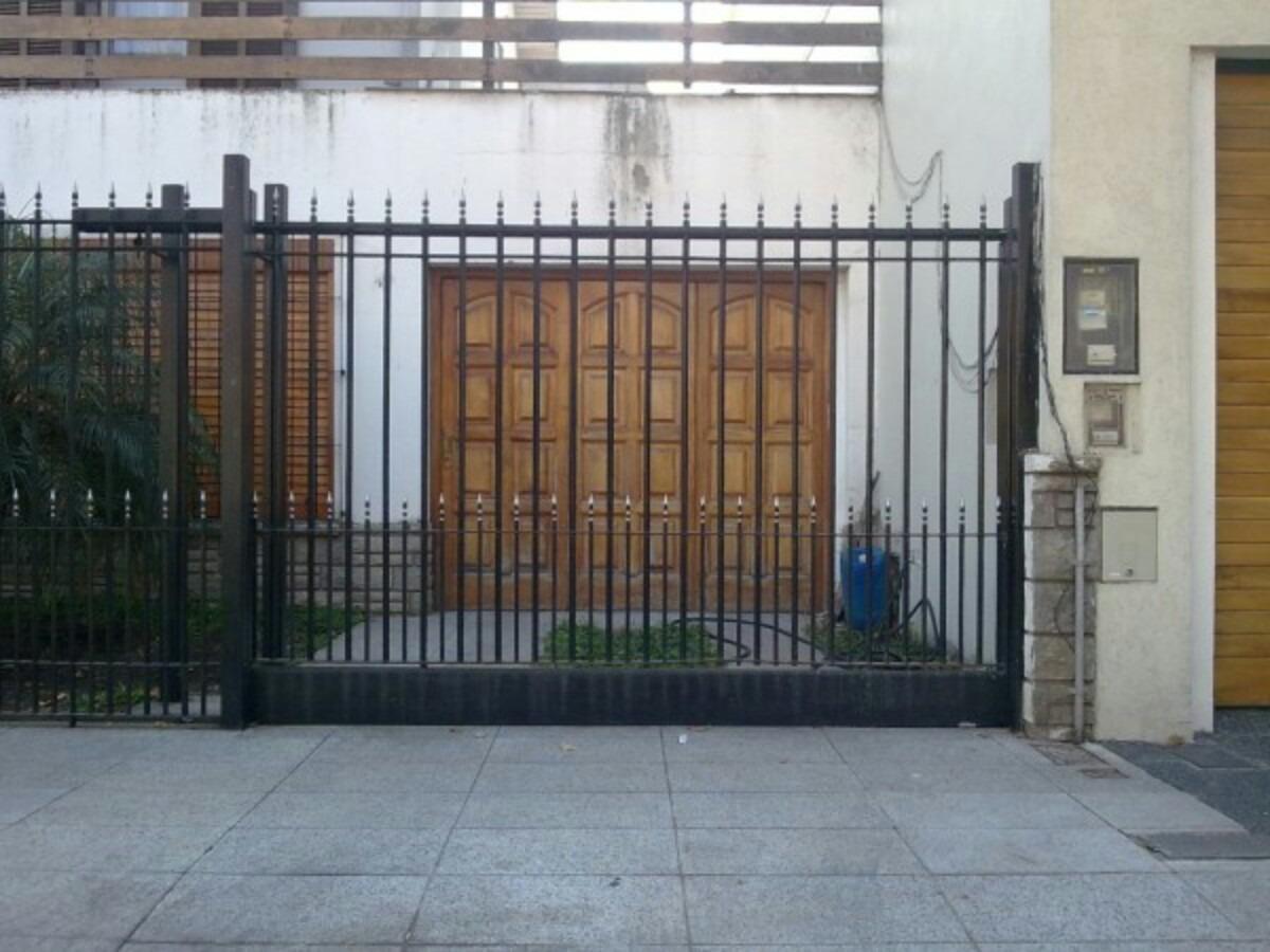 Portones de hierro corredizos casa garaje empresa reja for Casas de chapa para jardin