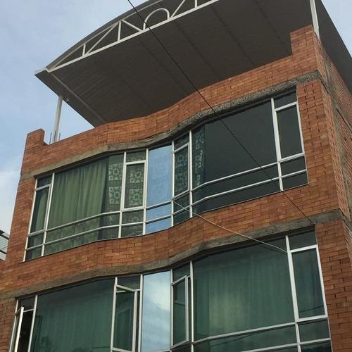 portones, domos, ventanas estructuras. ornamentación en gene
