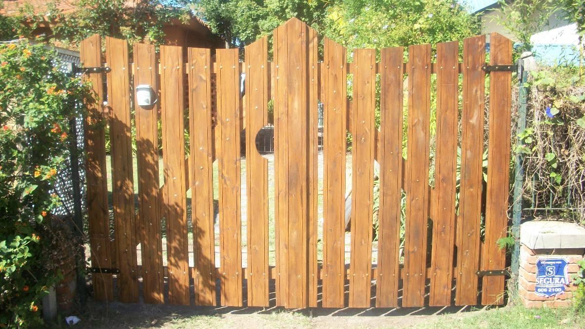 Portones en madera todas las medidas y dise os - Puertas de madera decoradas ...