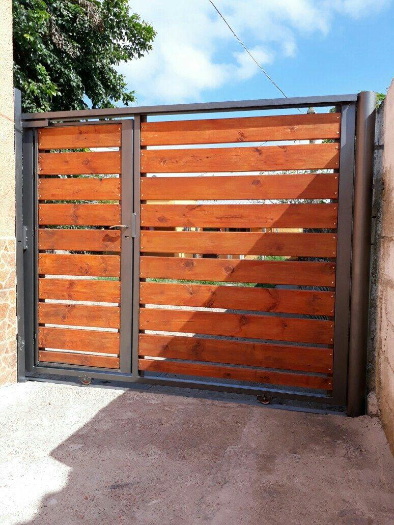 Portones hierro y madera 1800 metro cuadrado for Puertas y portones de madera