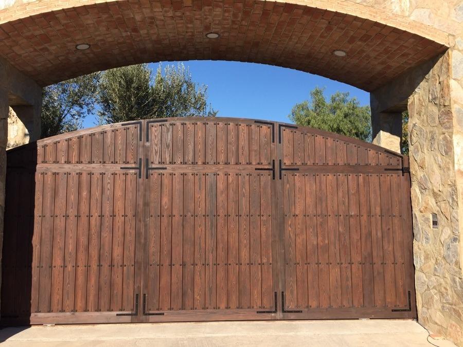 Portones puertas ventanas en madera r sticos precios for Ventanas de madera precios en rosario