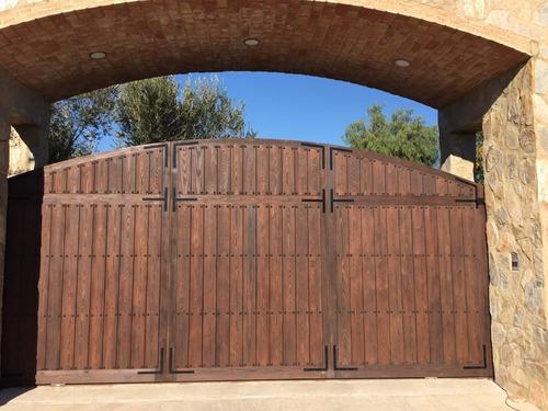 portones, puertas, ventanas en madera rústicos precios bajos