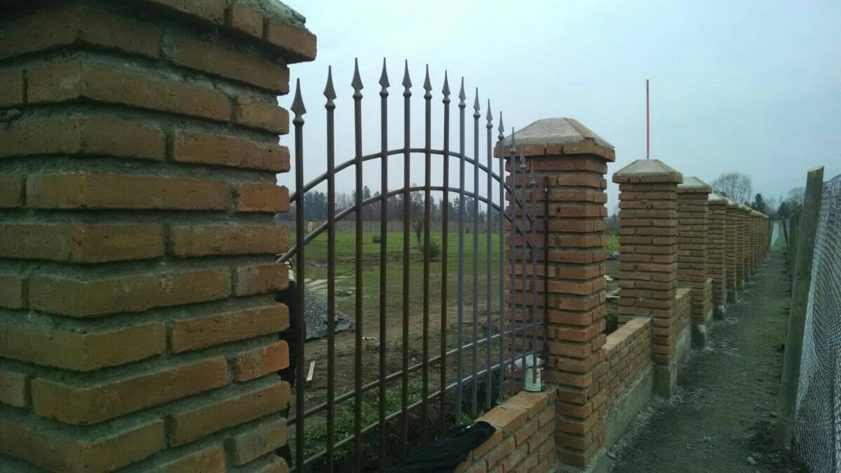 Portones rejas cobertizos protecciones en for Rejas y portones