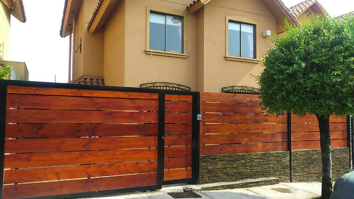 Portones rejas cobertizos protecciones en for Rejas de madera