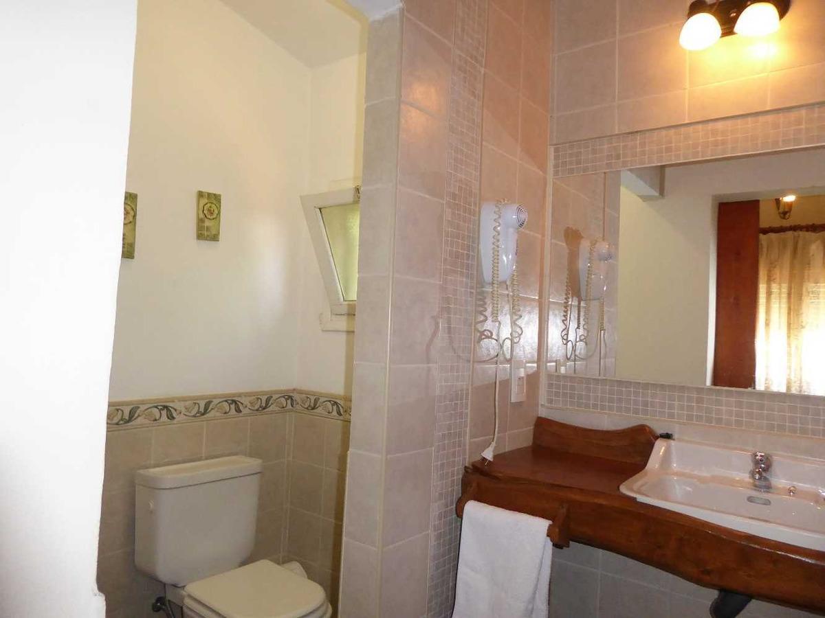 posada  lo de la omi  habitación 2 pers con baño privado.