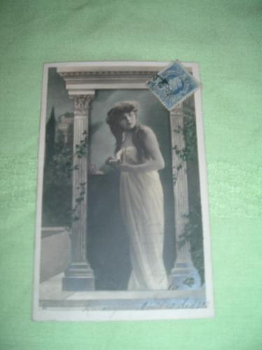 postal,con escena de dama antigua