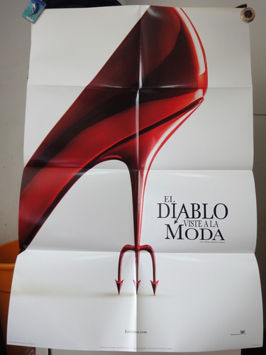 poster el diablo viste a la moda anne hathaway meryl streep
