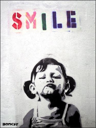 poster grafite smile 50x65cm banksy sorria enfeite para sala