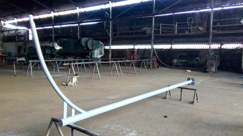 postes de luz fábrica