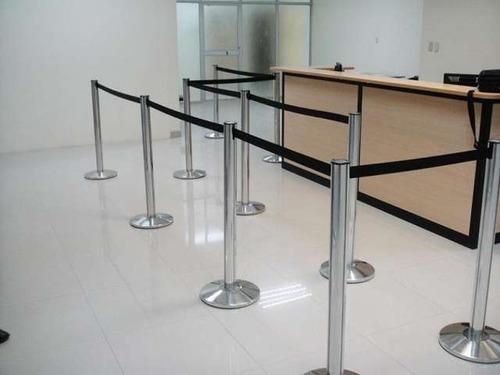 postes separadores para banco muebles de oficina