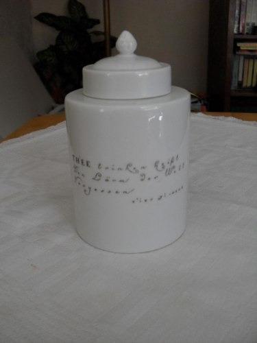pote para té en porcelana blanca, sellada  f - furstenberg