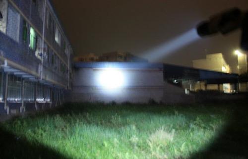 potente electroshock multifuncional linterna con s.o.s laser