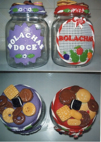 potes de vidro decorados em biscuit.