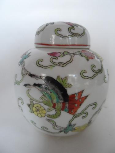 potiche em porcelana chinesa policromada. elegante!