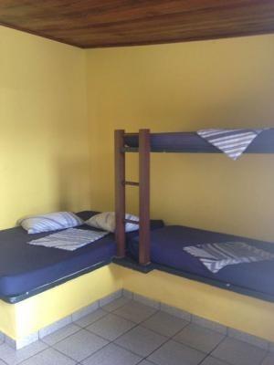 pousada com 16 quartos, área gourmet, piscina, na praia!