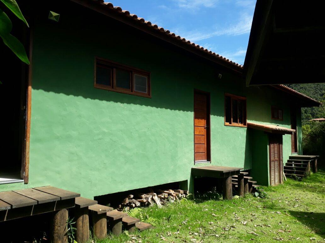 pousada no alto da serra da mantiqueira ,está a 1175 m de altitude , casa sede , chalés ,hostel , casa caseiro , tem toda estrutura de pousada , em um local de tirar o fôlego.... - 171