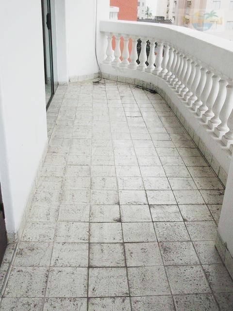 praia de pitangueiras, rua do shopping, 100 metros do mar, 130 m² úteis, garagem, varanda e lazer. - ap0314