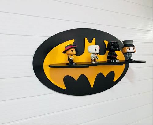 prateleira decoração batman