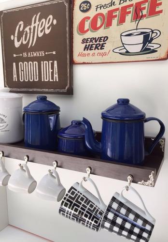 prateleira para xícaras