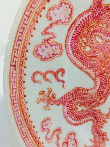 prato  de parede em porcelana.made in japan.