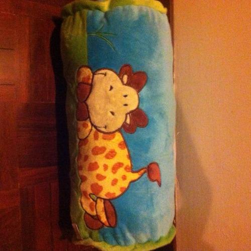 preciosa almohadita para cuarto de bebé, niña o niña