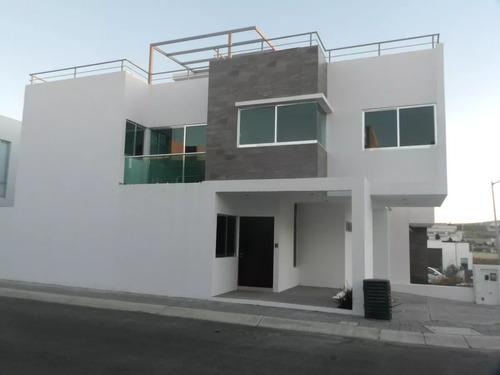 preciosa casa, 3 niveles en zen house, 3 recámaras, 3 baños, roof garden de lujo