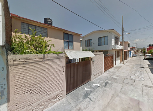 preciosa casa a tan solo $810,000, entrega inmediata, urge!