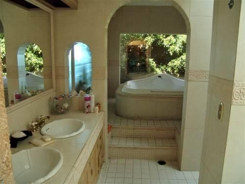 preciosa casa campestre con diseño única en la zona