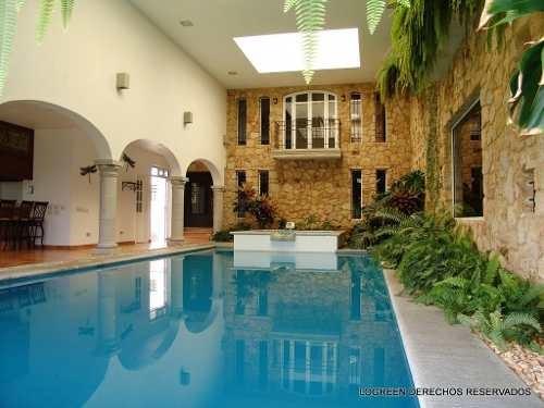 preciosa casa con diseño único, excelente construcción