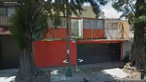 preciosa casa con terraza en remate, solo inversionistas!