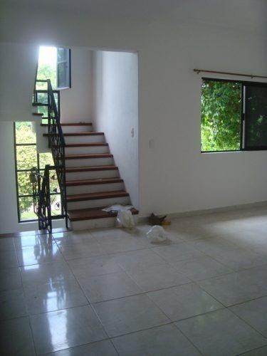 preciosa casa de 4 habitaciones en renta en playacar p2366