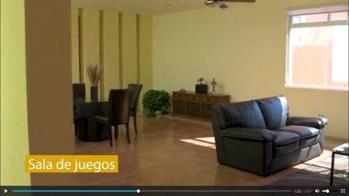 preciosa casa de un piso en vista real, 3 recámaras, 3 baños, sala de tv, jardín