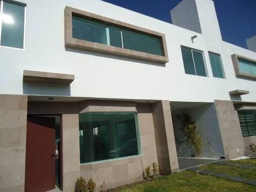 preciosa casa en el mirador, 3 recamara, estudio, jardín,..