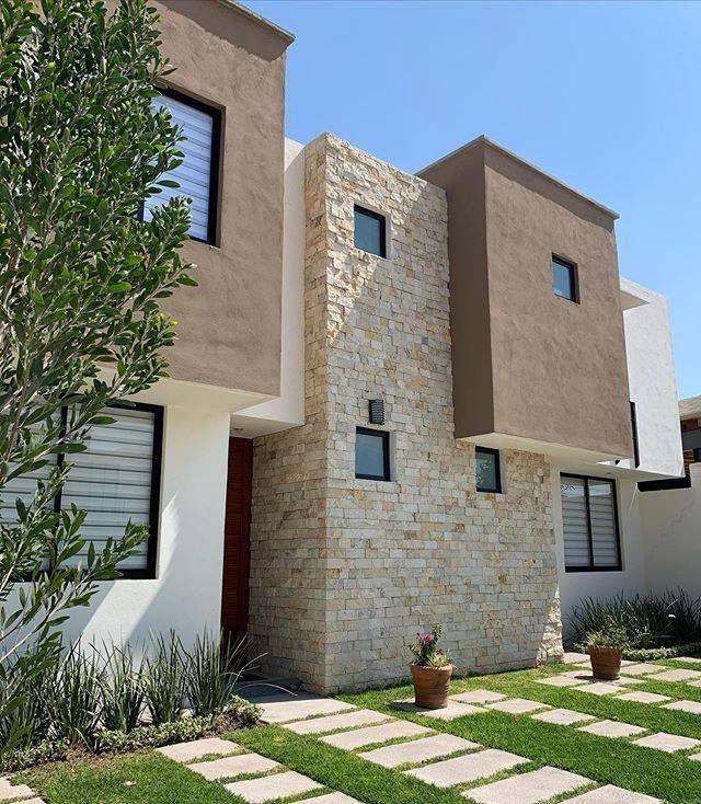preciosa casa en el pueblito centro, 3 recamaras, 2.5 baños, alberca, jardín,.
