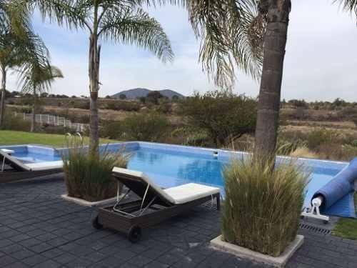 preciosa casa en grand juriquilla, roof garden, jardín, 3 recamaras, despacho..