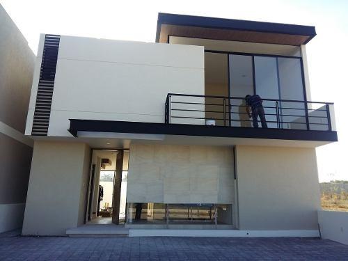 preciosa casa en la vista, por el refugio, t.217.53 m2 y c.231.26 m2 ¡gánela!