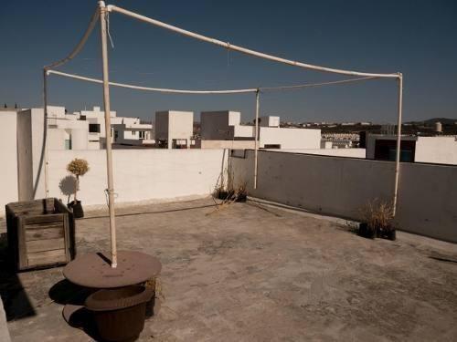 preciosa casa en milenio iii, alberca, 3 recamaras, jacuzzi, jardín, roof garden