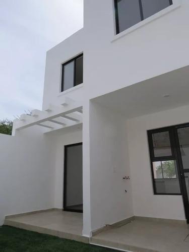 preciosa casa en pedregal de schoenstatt, jardín, 3 recámaras, estudio, alberca