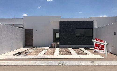 preciosa casa en santa fe tlacote, una planta, t.180 m2, 2 recamaras, 2.5 baños.
