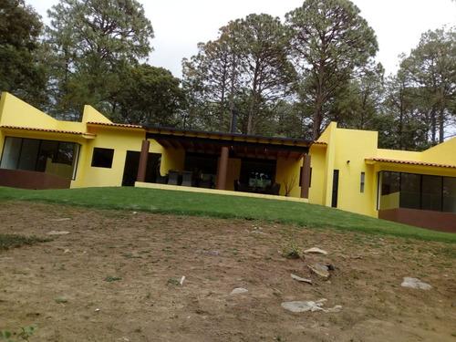 preciosa casa en tapalpa con enorme terreno
